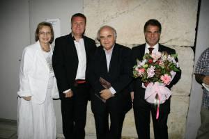 Από αριστερά: Χαρά Καλομοίρη, Μιχάλης Μακρής, Λυκούργος Αγγελόπουλος και Νικόλας Βαφειάδης. Ηρώδειο 2009.