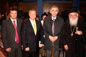 Ο Μακαριώτατος Αρχιεπίσκοπος κ.κ. Ιερώνυμος με τους Π. Τούτουζα, Μ. Μακρή και Μ. Βαμβακά.  Αρσάκειο Μέγαρο. 02-02-2013